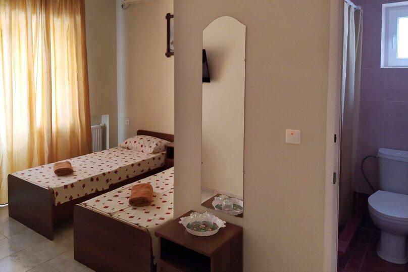"""Гостевой дом """"Одиссей"""", Мирный переулок, 8 на 10 комнат - Фотография 33"""