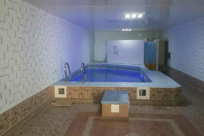 Дом, 100 кв.м. на 9 человек, 4 спальни, Больничная улица, 22, Евпатория - Фотография 1