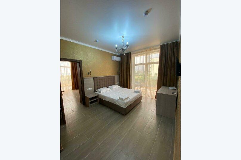 2х комнатный люкс, Керченское шоссе, 27 Л, Феодосия - Фотография 1