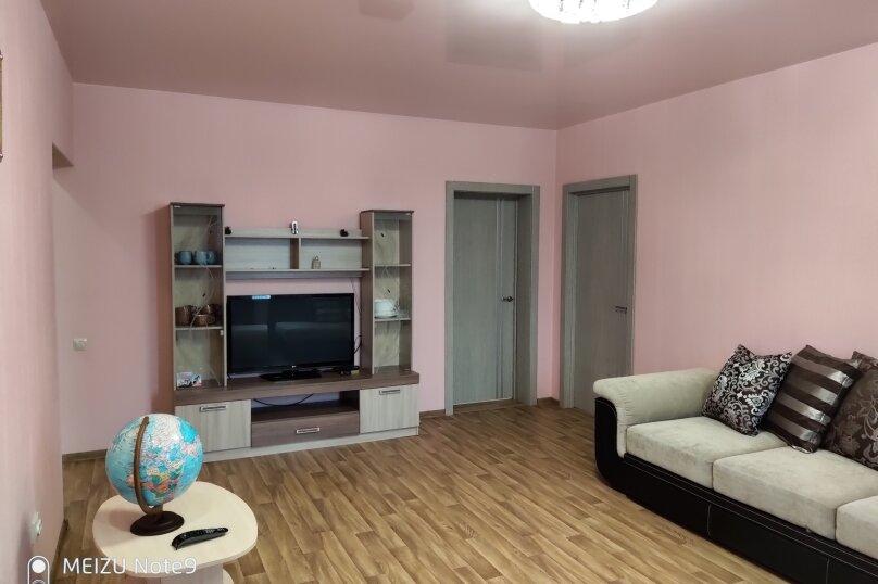 2-комн. квартира, 58 кв.м. на 3 человека, улица Бориса Житкова, 5к1, Тюмень - Фотография 2