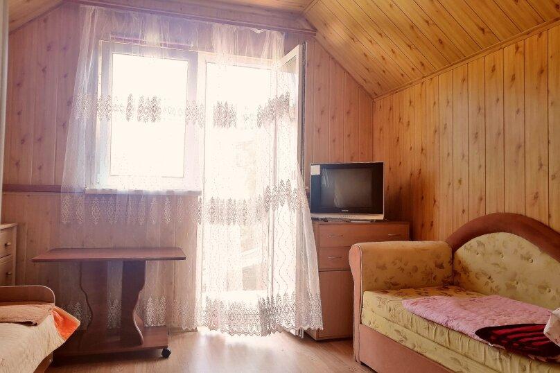 """1-комнатный номер """"Деревянная мансарда"""", улица Григория Неуймина, 2, Симеиз - Фотография 1"""