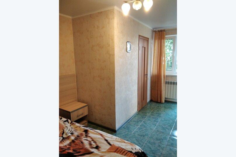 Двухместный: Комната, Стандарт, 2-местный, 1-комнатный, улица Красных Партизан, 68, Геленджик - Фотография 15