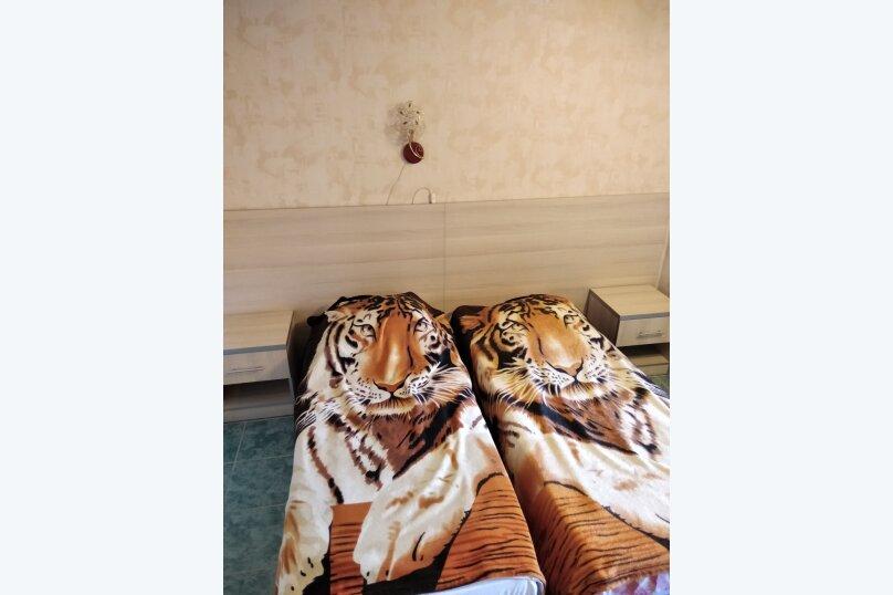 Двухместный: Комната, Стандарт, 2-местный, 1-комнатный, улица Красных Партизан, 68, Геленджик - Фотография 18
