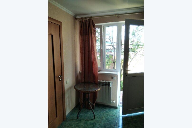 Двухместный: Комната, Стандарт, 2-местный, 1-комнатный, улица Красных Партизан, 68, Геленджик - Фотография 21