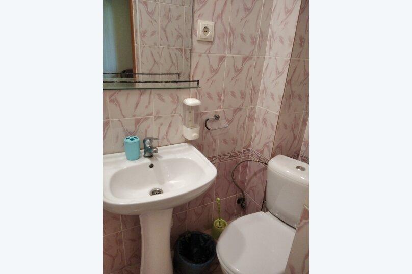 Двухместный: Комната, Стандарт, 2-местный, 1-комнатный, улица Красных Партизан, 68, Геленджик - Фотография 23