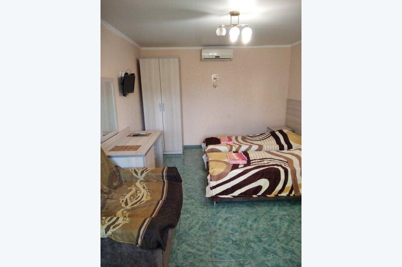 Двухместный: Комната, Стандарт, 2-местный, 1-комнатный, улица Красных Партизан, 68, Геленджик - Фотография 25