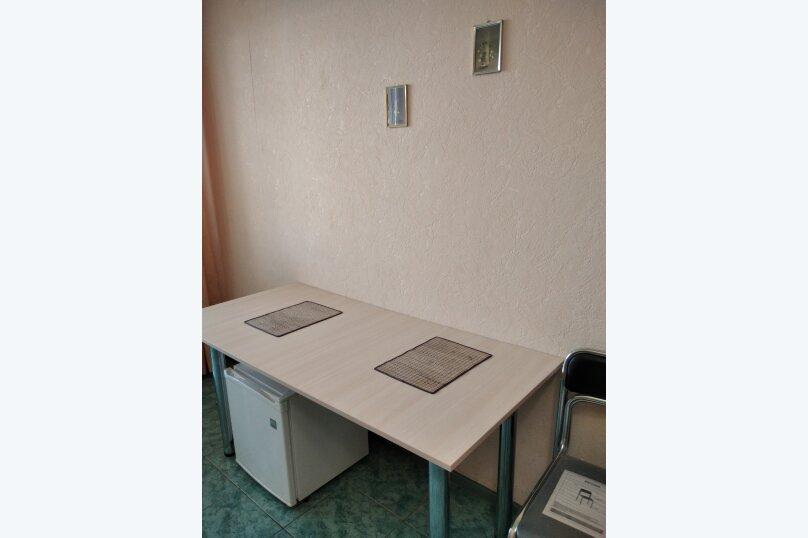 Двухместный: Комната, Стандарт, 2-местный, 1-комнатный, улица Красных Партизан, 68, Геленджик - Фотография 39