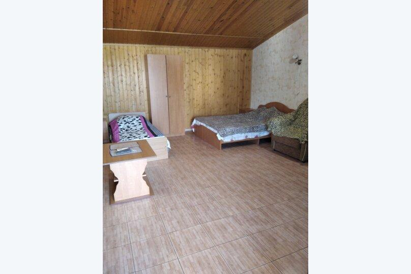 Четырехместный: Комната, Стандарт, 4-местный, 1-комнатный, улица Красных Партизан, 68, Геленджик - Фотография 8