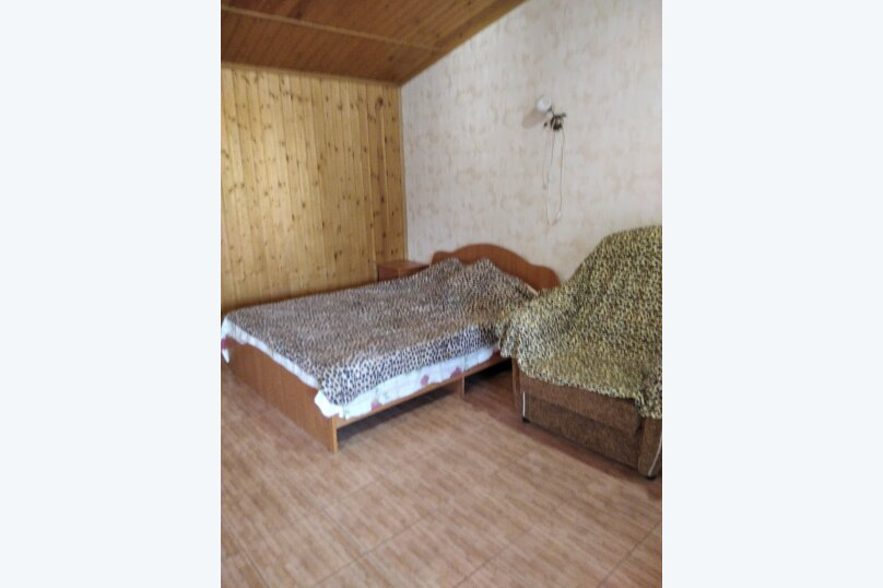 Четырехместный: Комната, Стандарт, 4-местный, 1-комнатный, улица Красных Партизан, 68, Геленджик - Фотография 10
