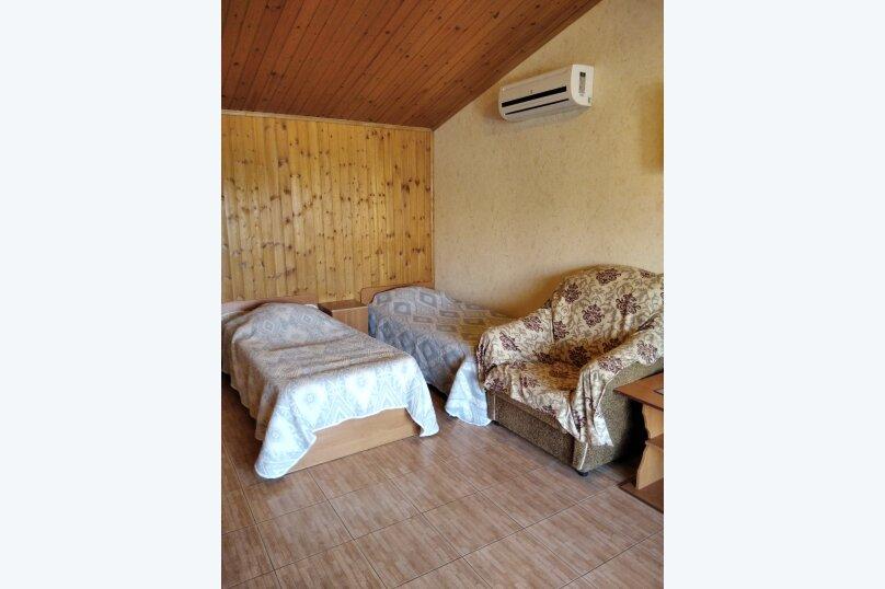 Четырехместный: Комната, Стандарт, 4-местный, 1-комнатный, улица Красных Партизан, 68, Геленджик - Фотография 15
