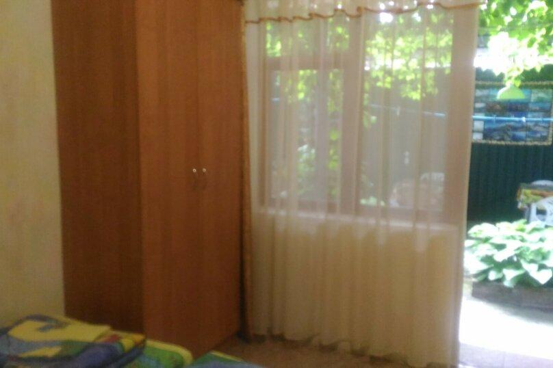трехместный номер с кондиционером, Садовая улица, 12-А, Малореченское - Фотография 1