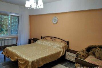 3-комн. квартира, 81 кв.м. на 8 человек, улица Подвойского, 26, Гурзуф - Фотография 1