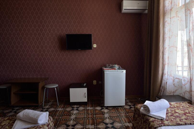 """Гостевой дом """"У Азы"""", улица Чкалова, 36А на 9 комнат - Фотография 19"""
