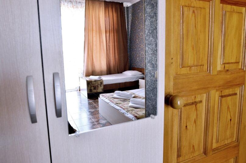 """Гостевой дом """"У Азы"""", улица Чкалова, 36А на 9 комнат - Фотография 26"""
