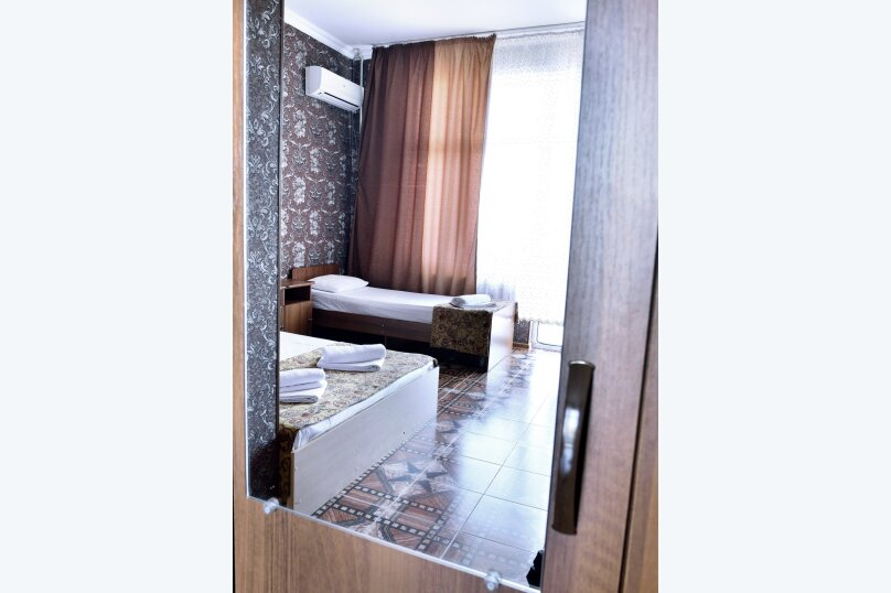 """Гостевой дом """"У Азы"""", улица Чкалова, 36А на 9 комнат - Фотография 29"""
