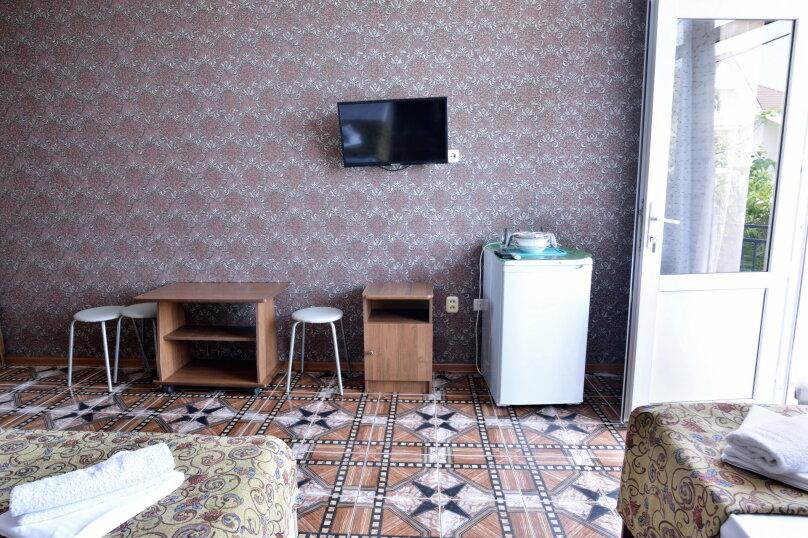"""Гостевой дом """"У Азы"""", улица Чкалова, 36А на 9 комнат - Фотография 37"""