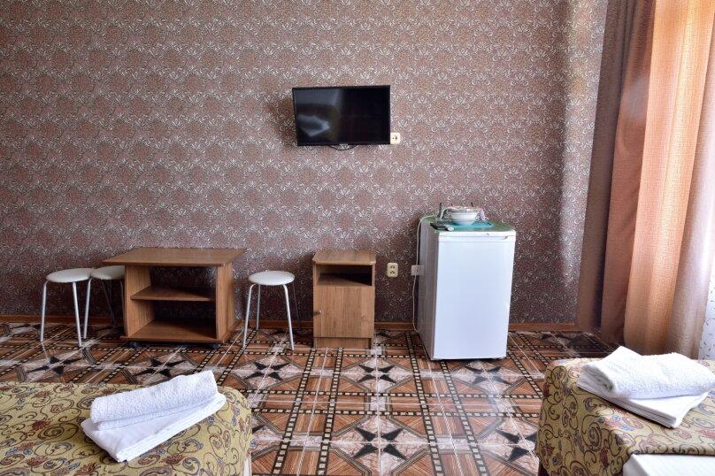 """Гостевой дом """"У Азы"""", улица Чкалова, 36А на 9 комнат - Фотография 38"""