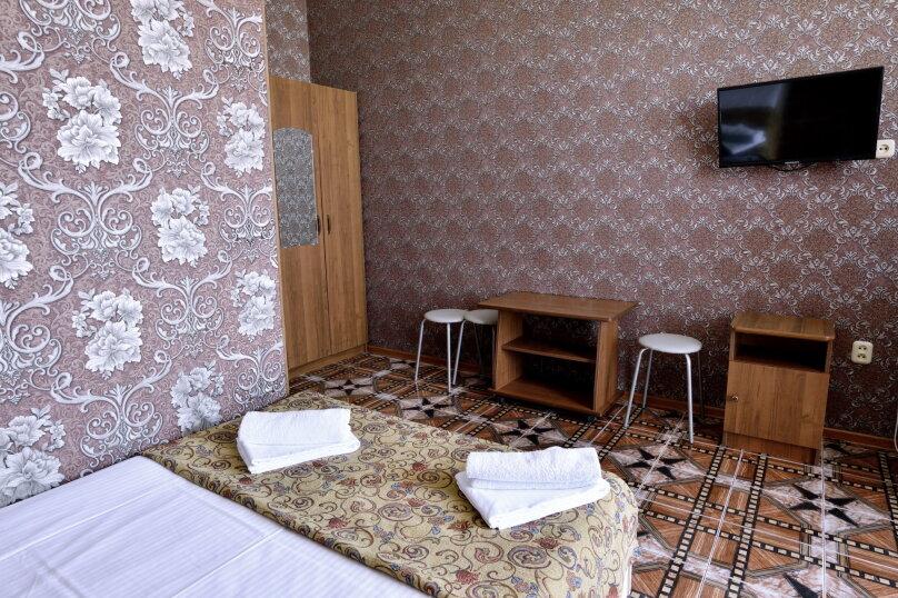 """Гостевой дом """"У Азы"""", улица Чкалова, 36А на 9 комнат - Фотография 39"""