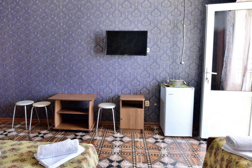 """Гостевой дом """"У Азы"""", улица Чкалова, 36А на 9 комнат - Фотография 42"""
