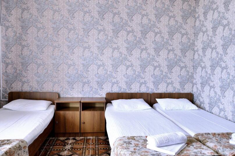 """Гостевой дом """"У Азы"""", улица Чкалова, 36А на 9 комнат - Фотография 47"""