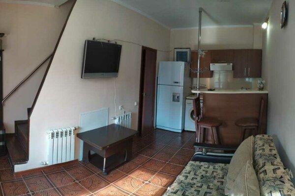 Коттедж , 45 кв.м. на 5 человек, 2 спальни, Черноморская улица, 1литЗ, Ольгинка - Фотография 1