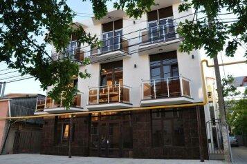 Гостевой дом «Monaco», Песчаная улица, 9В на 18 комнат - Фотография 1