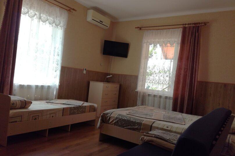 Четырехместный, улица Ленина, 146/6, Кучугуры - Фотография 1