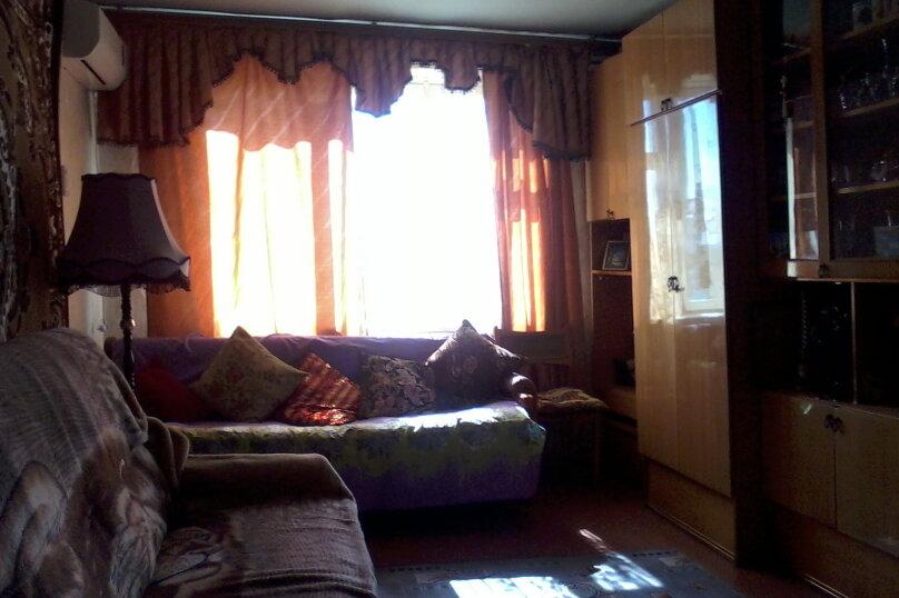 2-комн. квартира, 59 кв.м. на 6 человек, улица Сырникова, 30, Мирный, Крым - Фотография 1