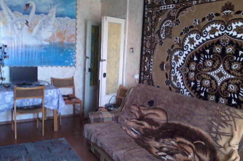 2-комн. квартира, 59 кв.м. на 6 человек, улица Сырникова, 30, Мирный, Крым - Фотография 2