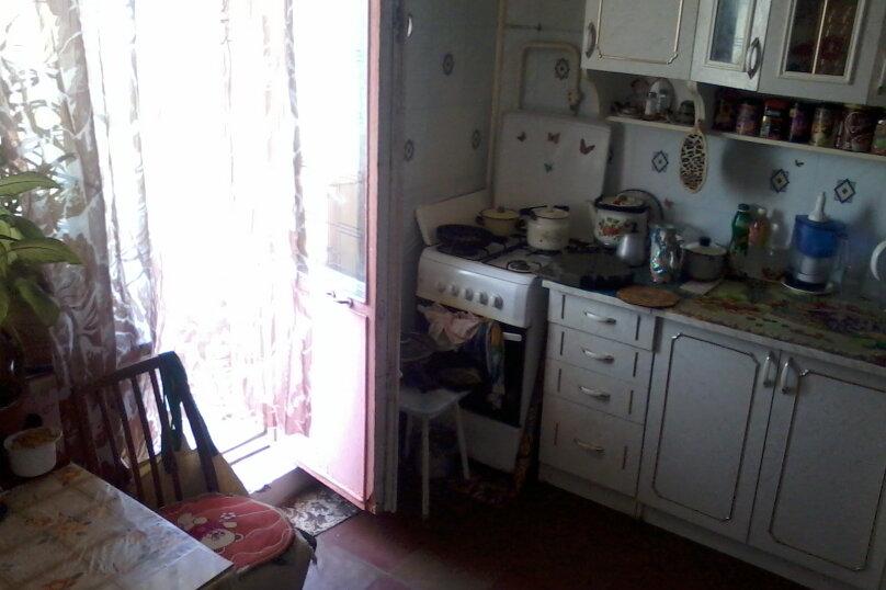 2-комн. квартира, 59 кв.м. на 6 человек, улица Сырникова, 30, Мирный, Крым - Фотография 5