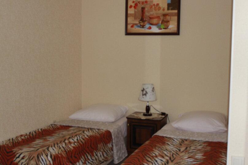 """Гостевой дом """"Planeta MOV"""", Изумрудная улица, 34 на 16 комнат - Фотография 42"""