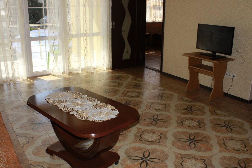 """Гостевой дом """"Planeta MOV"""", Изумрудная улица, 34 на 16 комнат - Фотография 18"""