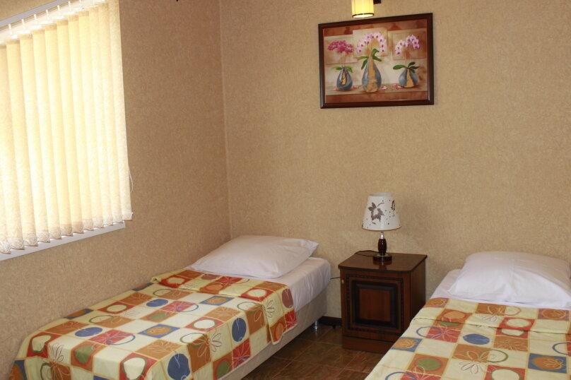"""Гостевой дом """"Planeta MOV"""", Изумрудная улица, 34 на 16 комнат - Фотография 32"""