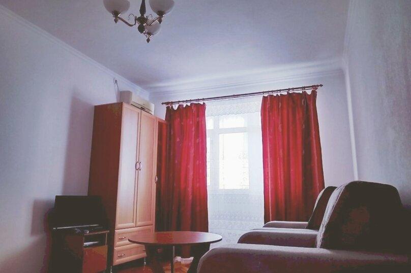 1-комн. квартира, 36 кв.м. на 4 человека, улица Абазгаа, 59/2, Гагра - Фотография 1