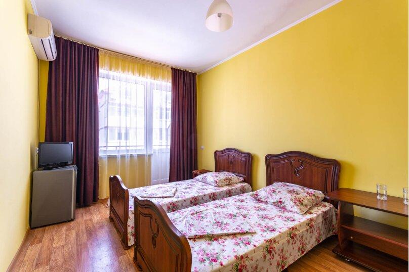 Стандартный трехместный номер, Приморская улица, 24, Лермонтово - Фотография 2