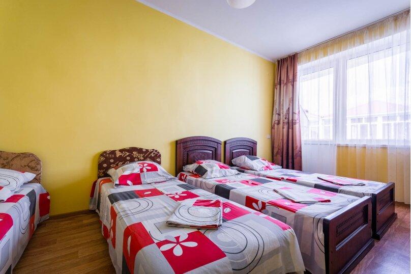 Четырёхместный номер с балконом, Приморская улица, 24, Лермонтово - Фотография 4