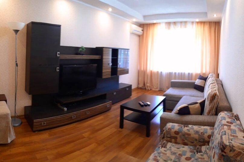 2-комн. квартира, 60 кв.м. на 4 человека, Партизанская улица, 14, Лазаревское - Фотография 1
