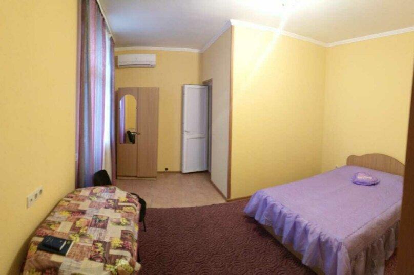 Двухместный номер с двуспальной кроватью, Православная , 42/3, Адлер - Фотография 2