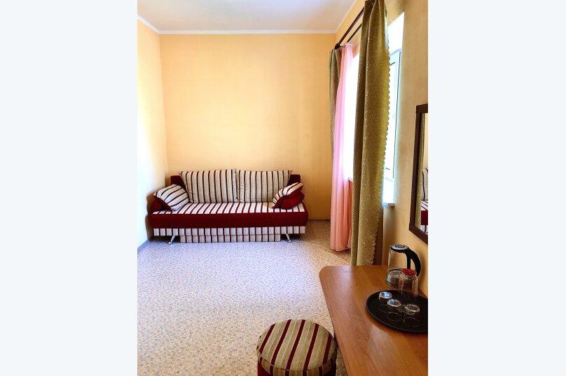 Номер 2х-комнатный семейный больш(7,8), Донецкая, 92, Поповка - Фотография 1