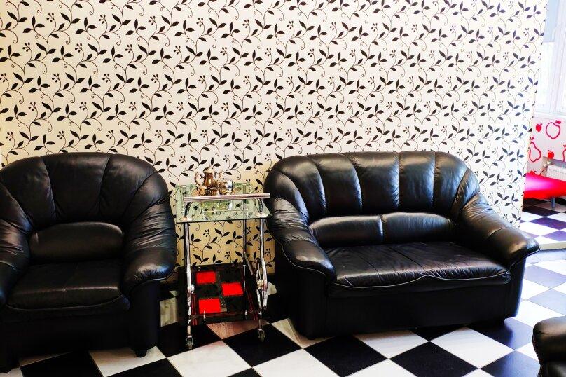2-комн. квартира, 72 кв.м. на 4 человека, улица Исмаила Гаспринского, 5, Симферополь - Фотография 15