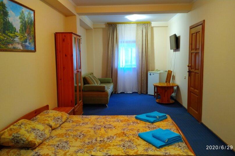2-х комнатный-6 человек, Алупкинское шоссе, 74Г, Гаспра - Фотография 2