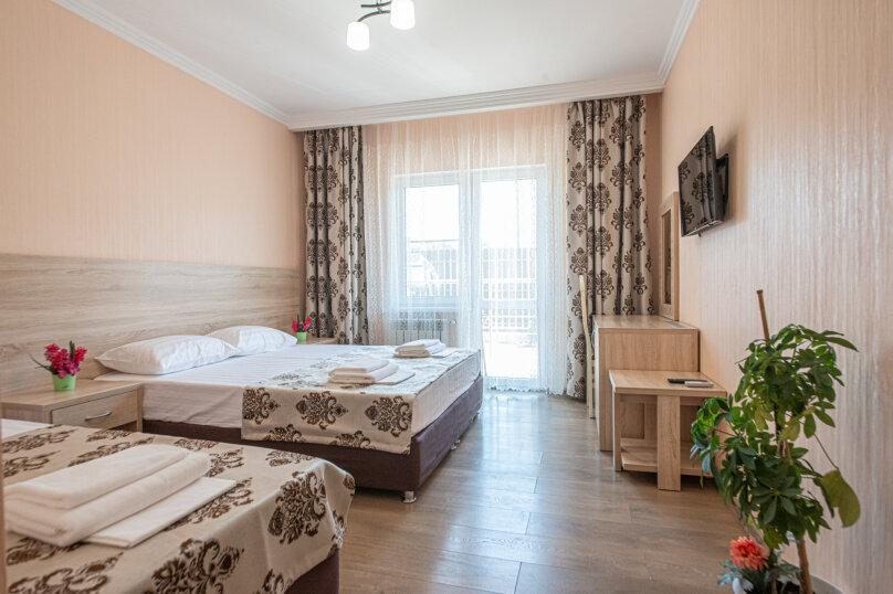 Трехместный с балконом, 2 корпус., Радужная, 5, Кабардинка - Фотография 1