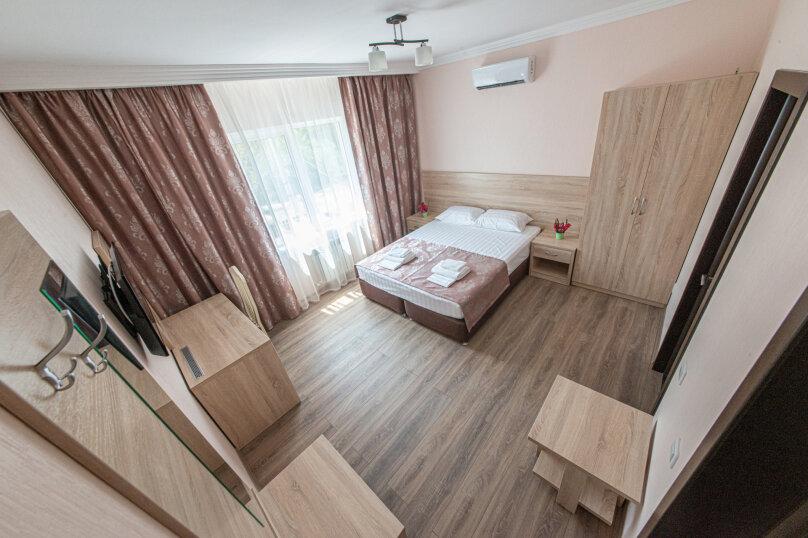 Двухместный с балконом, 2 корпус., Радужная, 5, Кабардинка - Фотография 1