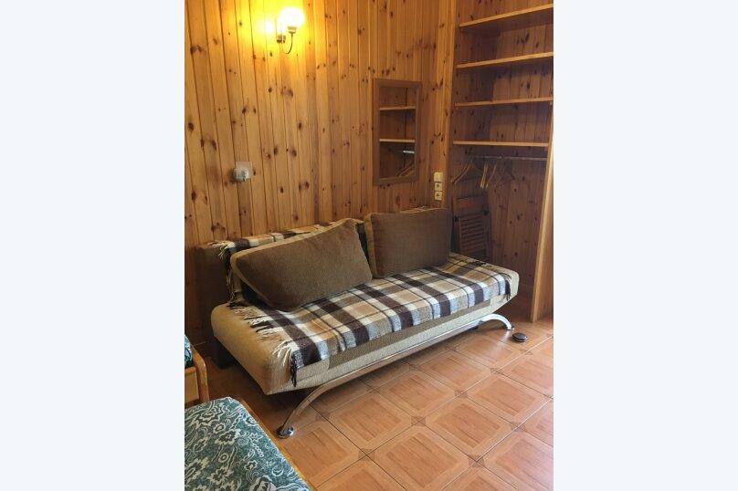 Квартира на  1-4 человек в частном секторе, 300 м от пляжа, 18 кв.м. на 4 человека, 1 спальня, улица Ленина, 48, Алупка - Фотография 20