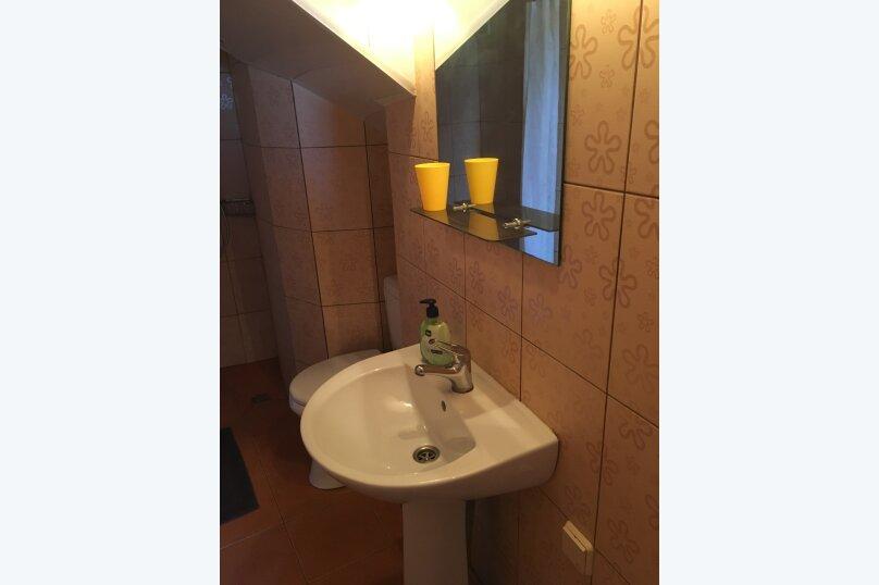 Квартира на  1-4 человек в частном секторе, 300 м от пляжа, 18 кв.м. на 4 человека, 1 спальня, улица Ленина, 48, Алупка - Фотография 25