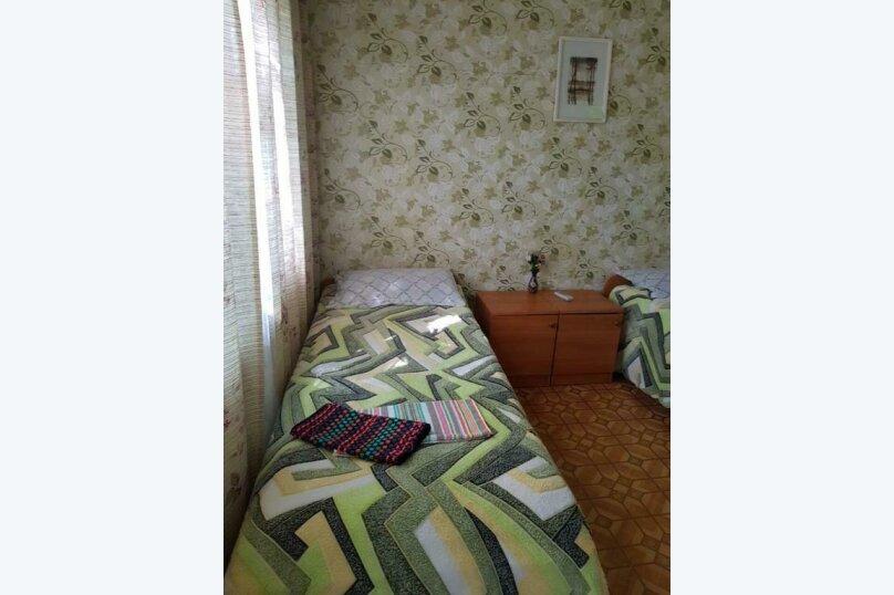 2-х местный номер на первом этаже с балконом, улица Челюскинцев, 109а, Севастополь - Фотография 16
