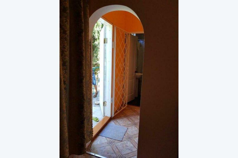 2-х местный номер на первом этаже с балконом, улица Челюскинцев, 109а, Севастополь - Фотография 29