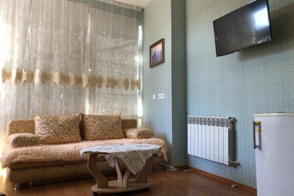 1-комн. квартира, 35 кв.м. на 4 человека, улица Куйбышева, 10, Ялта - Фотография 1