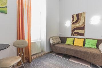 Апартаменты студийного типа, 13-я линия Васильевского острова, 10Г на 5 номеров - Фотография 1