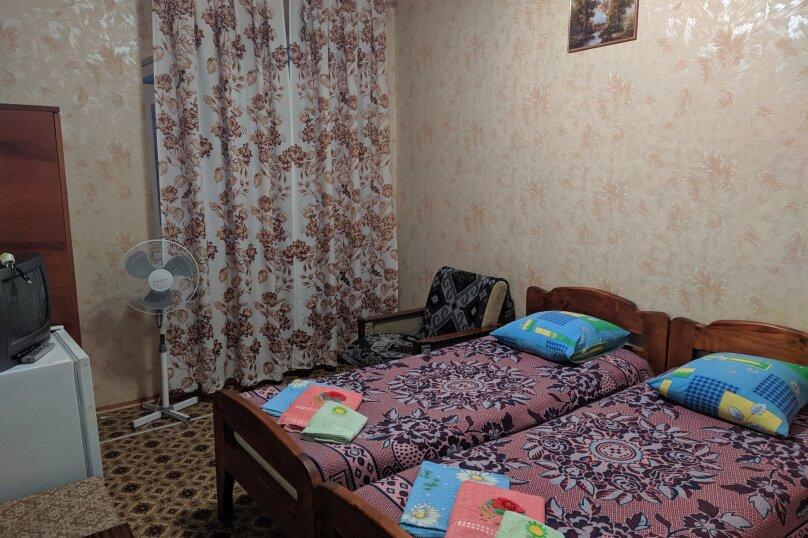Двухместный, улица Маяковского, 1а, Морское - Фотография 1